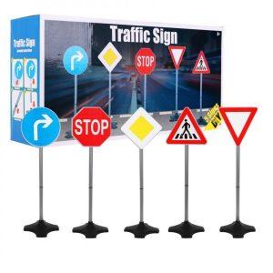 Dětské dopravní značky   80cm 5 kusů je sada dopravních značek, které by mělo každé dítě znát. Potěší každého malého